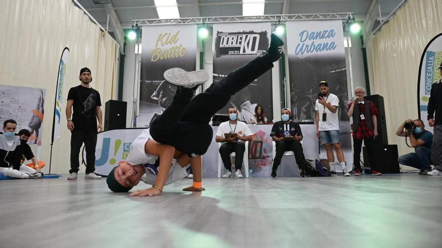 147 bailarines participan en el 'Doble KO Festival'