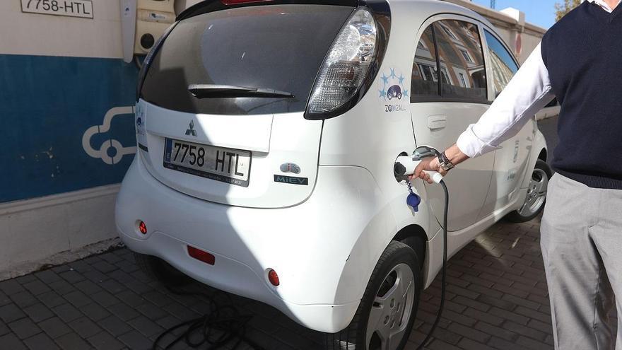 Iberdrola gestionará los 30 puntos de recarga de coches eléctricos