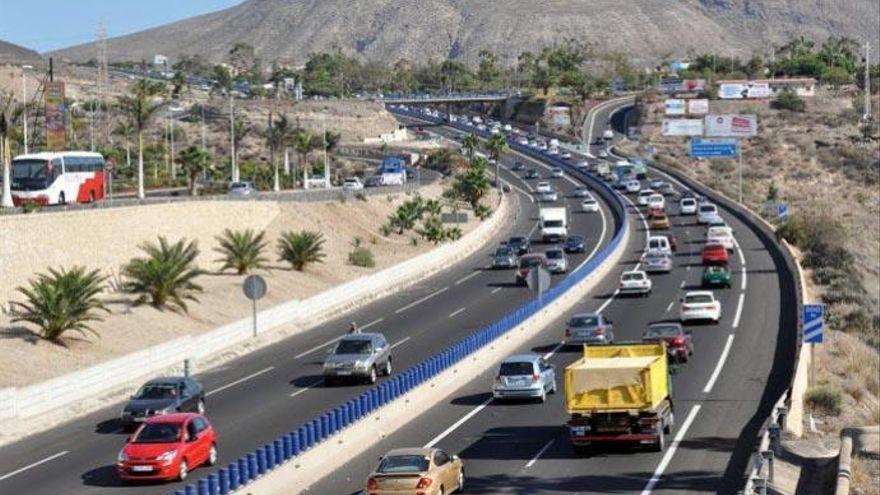 El Cabildo comienza a reasfaltar la autopista del sur de Tenerife