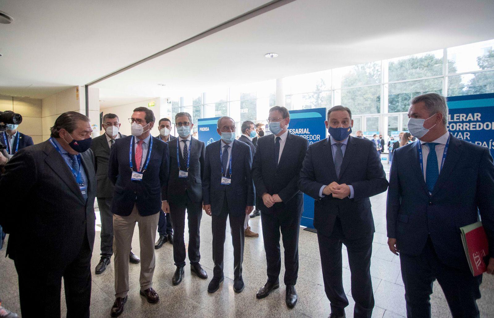 Empresarios y políticos se han dado cita en el evento de #QuieroCorredor