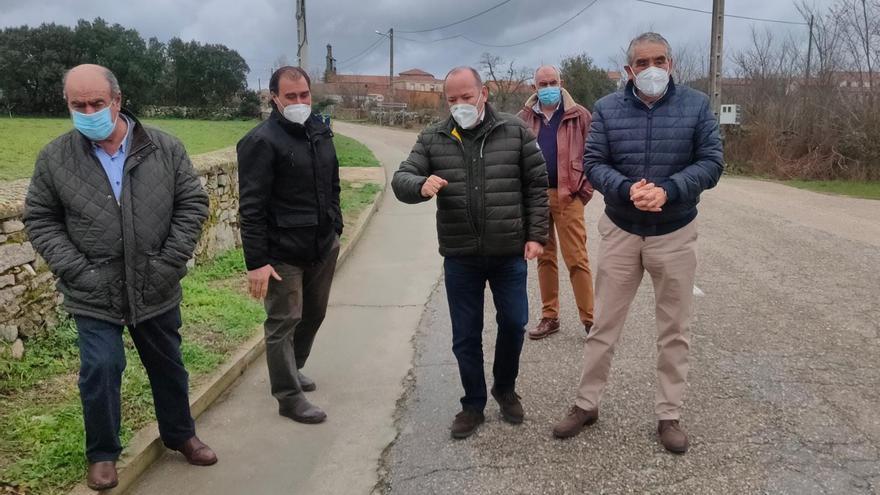 Principio de acuerdo entre Torregamones y la Diputación para arreglar la carretera