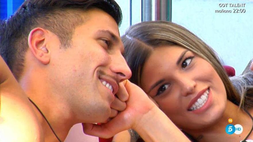 "'GH VIP 7': Nuria Martínez, pareja de Omar Montes, ""ronea"" con Gianmarco"