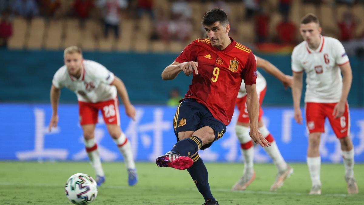 Gerard Moreno falló un penalti ante Polonia.