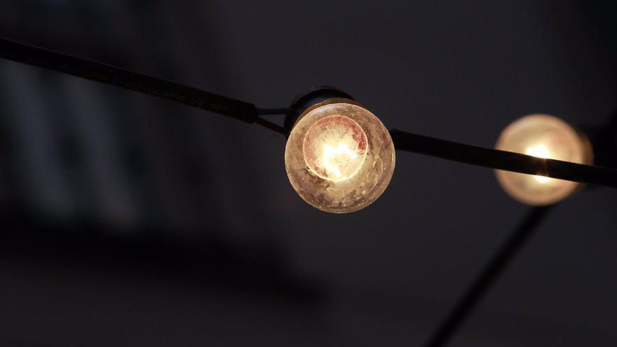 La factura de la luz se dispara un 42% en lo que va de junio