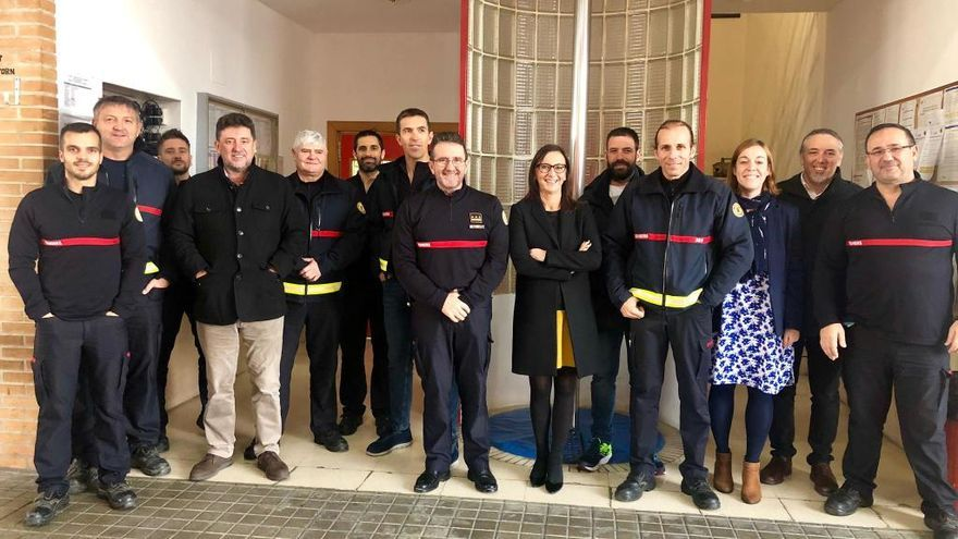 M. J. Amigó visita el parque de bomberos de Torrent