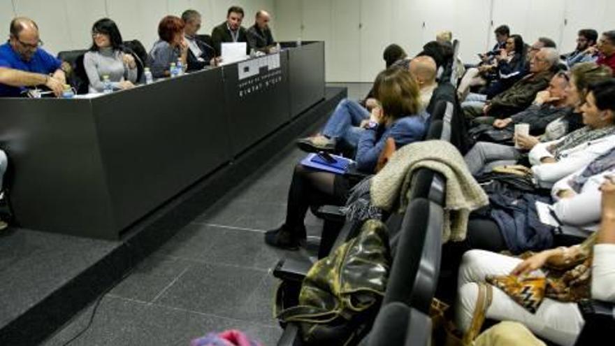 La plataforma en defensa de la enseñanza pública se revuelve contra el «pin parental» de VOX