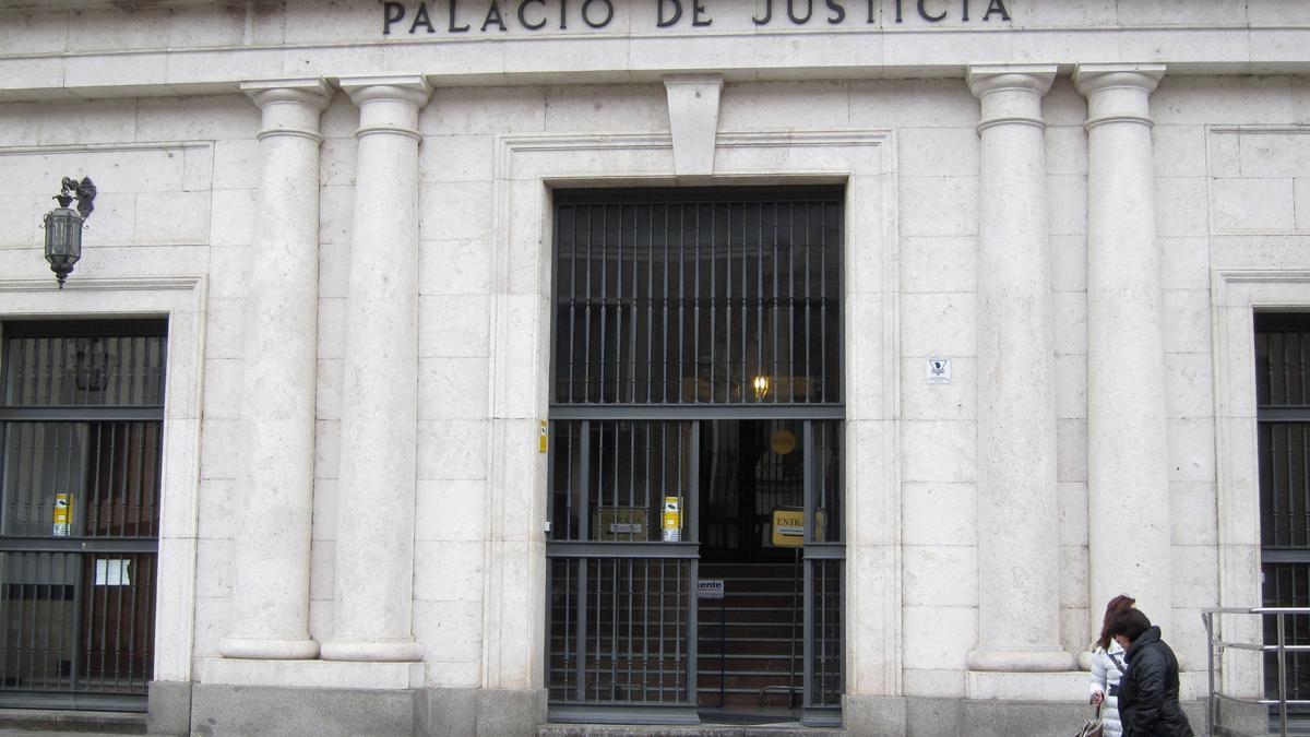 Fachada de la Audiencia provincial de Valladolid.
