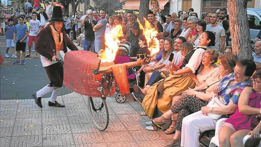 Xarxa Teatre recorre la provincia con 'El Dolçainer de Tales'