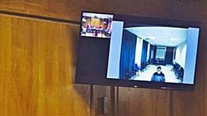 """La Audiencia retoma un juicio por intento de asesinato de un hombre """"que oía voces"""""""