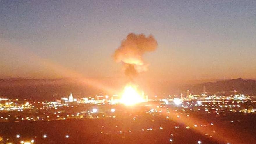 Explosió a la petroquímica de Tarragona: afectacions a carreteres i línies de tren afectades