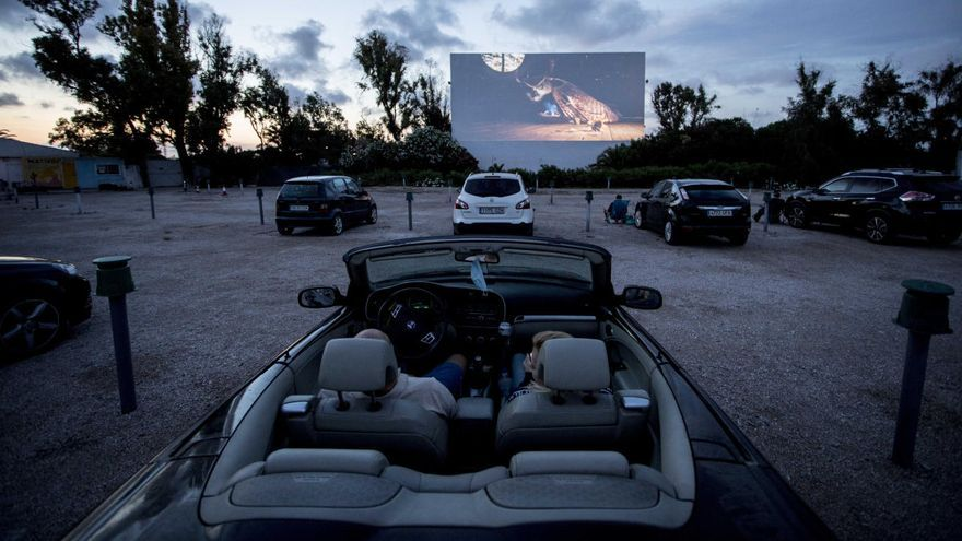 Las películas proyectadas en autocines podrán competir en los Oscar