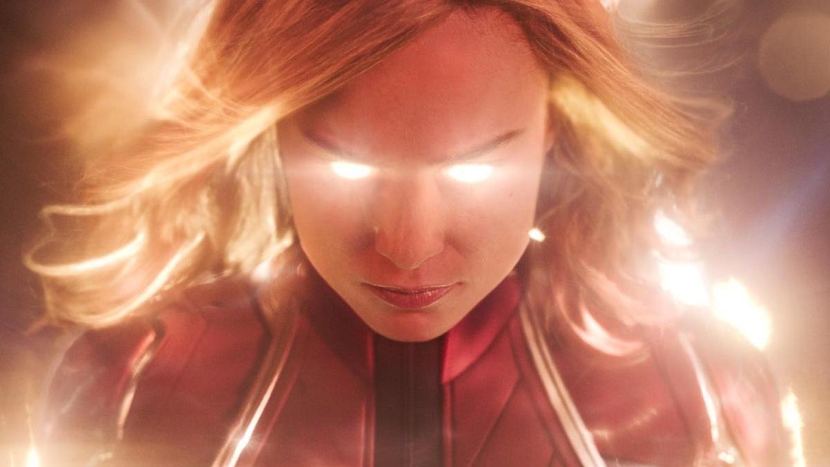 Brie Larson como la Capitana Marvel.