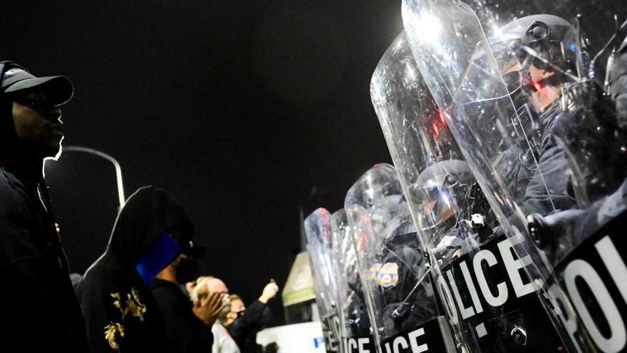 Nuevas protestas en Filadelfia tras la muerte de un joven negro a manos de la policía
