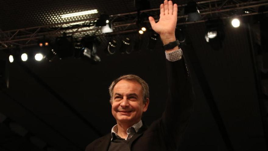 Zapatero revela que va tenir una breu conversa telefònica amb Junqueras