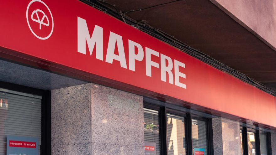 Recogida de ropa o ayuda al banco de alimentos, las iniciativas solidarias de Mapfre en noviembre