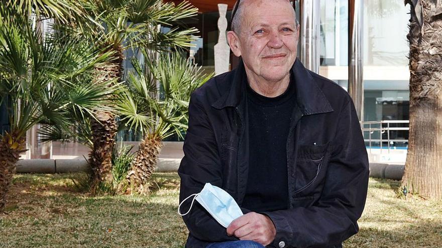 La segunda salvación de Alfredo Fiorito, un dj de Ibiza en apuros