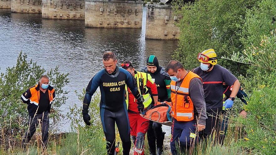 Los buzos de la Guardia Civil rescatan el cuerpo sin vida de un desaparecido