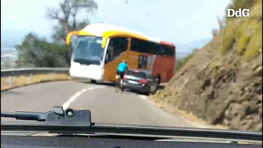 Imprudència a la carretera entre Roses i Cadaqués