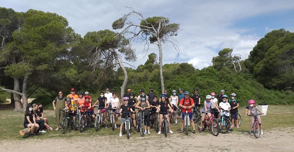 Marcha ciclista por El Saler de la falla Virgen de Lepanto de Castellar.jpg