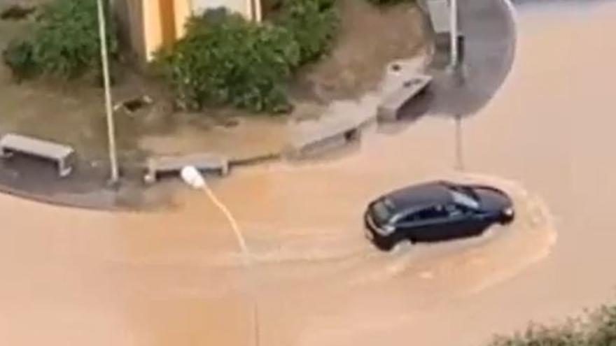 El humor que deja 'Filomena' tras inundar calles de Canarias