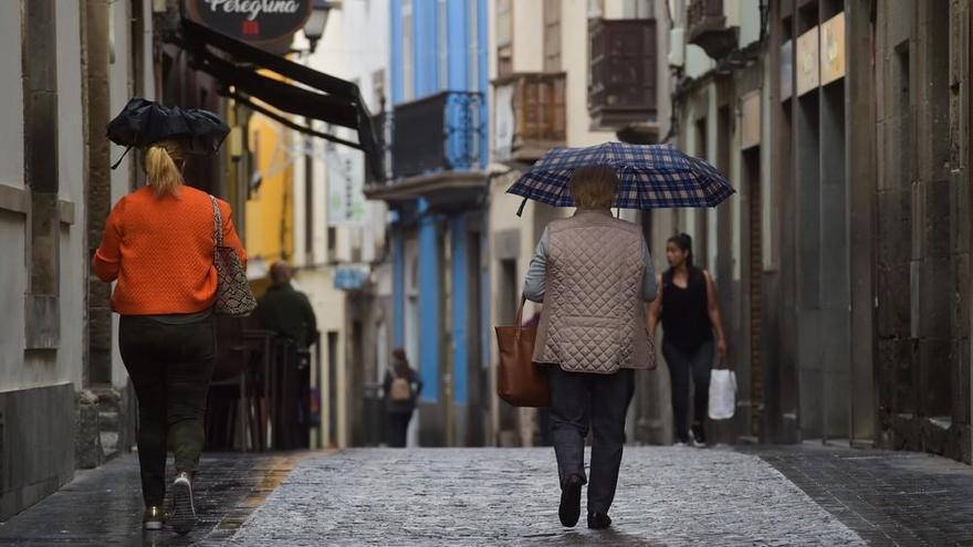 Gran Canaria espera un puente de diciembre pasado por agua