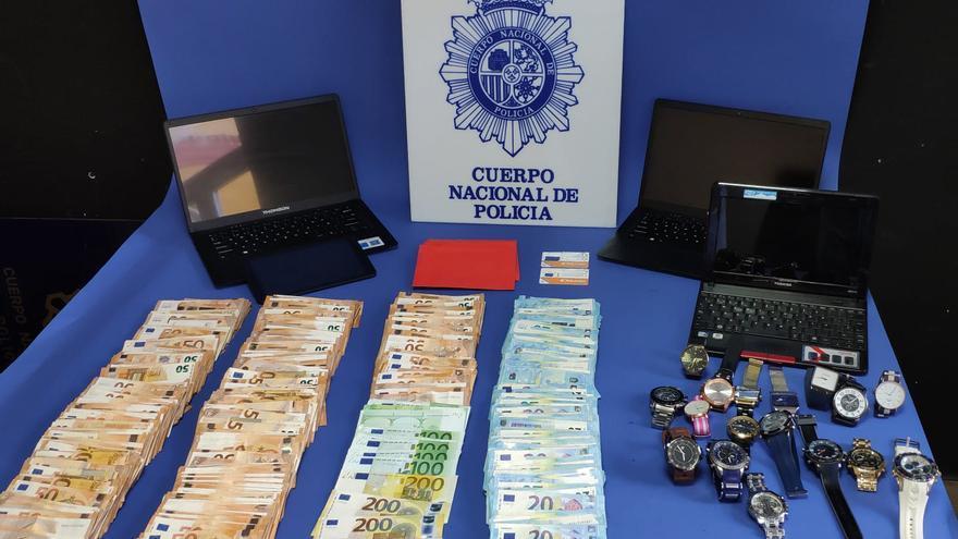 La Policía Nacional desarticula un grupo criminal que fingía ser una aseguradora de vehículos para estafar hasta 200.000 euros