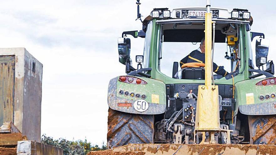 Picassent trabaja para reparar 350 km de caminos que destrozó la tormenta