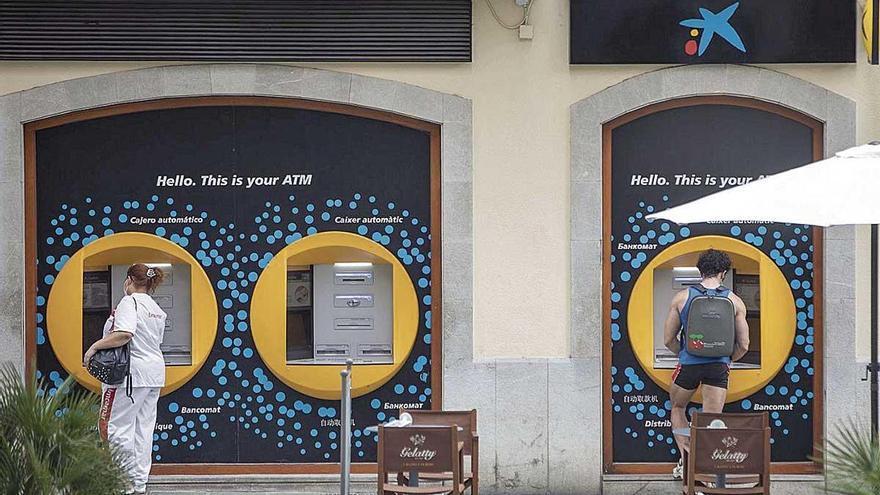 La fusión de CaixaBank y Bankia aboca al cierre de sucursales en Balears