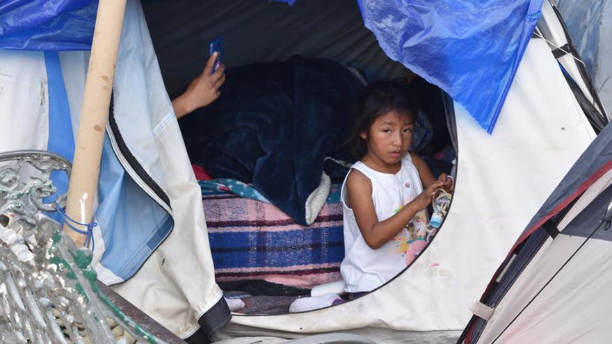 """Roberta Jacobson pide """"cerrar"""" el campamento de migrantes de Matamoros"""