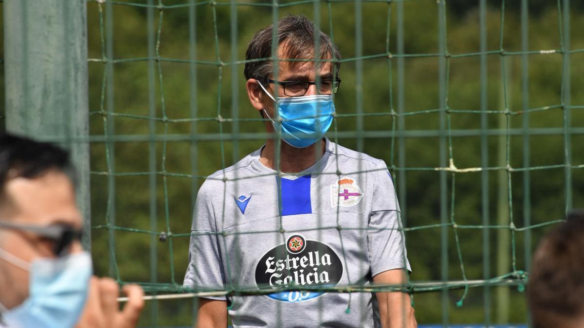 """Fernando Vázquez: """"Lo normal hubiera sido suspender toda la jornada"""""""