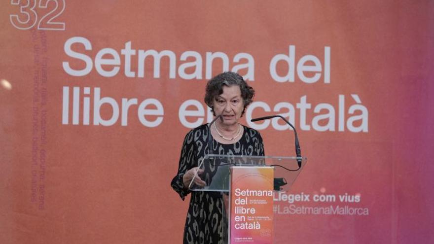 Maria Barbal: «El catalán todavía es atacado por gente orgullosa de su ignorancia»