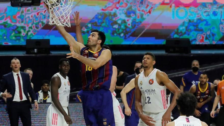 El Barcelona ya es equipo de 'playoff' ante un mejorado Real Madrid