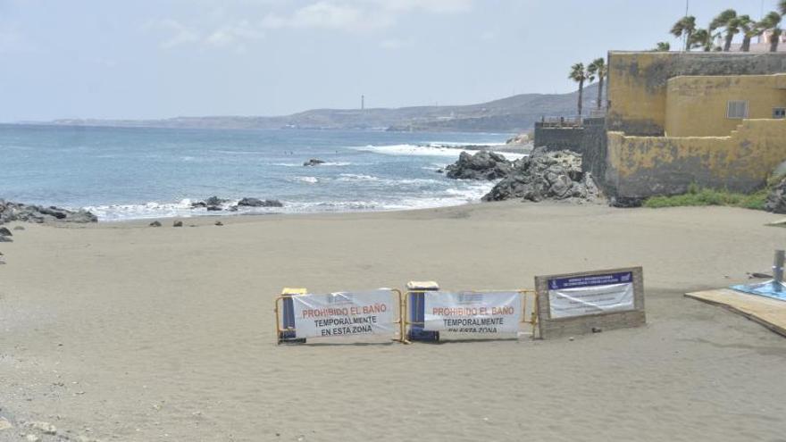 La playa de La Puntilla reabre al baño