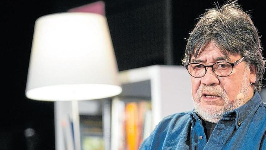 Fallece el escritor Luis Sepúlveda a los 70 años por coronavirus