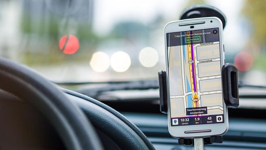 La multa por usar el GPS del móvil que pilla por sorpresa a miles de conductores