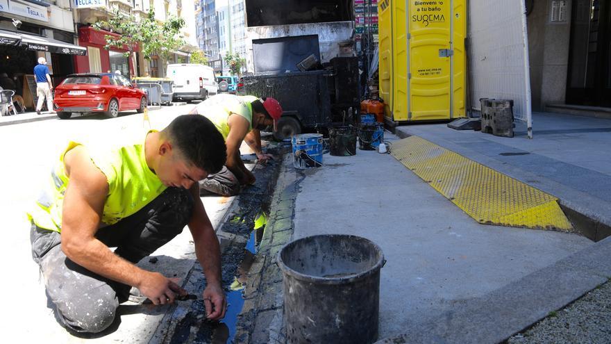 Un vertido de dos bidones de alquitrán causa mal olor en Federico Tapia