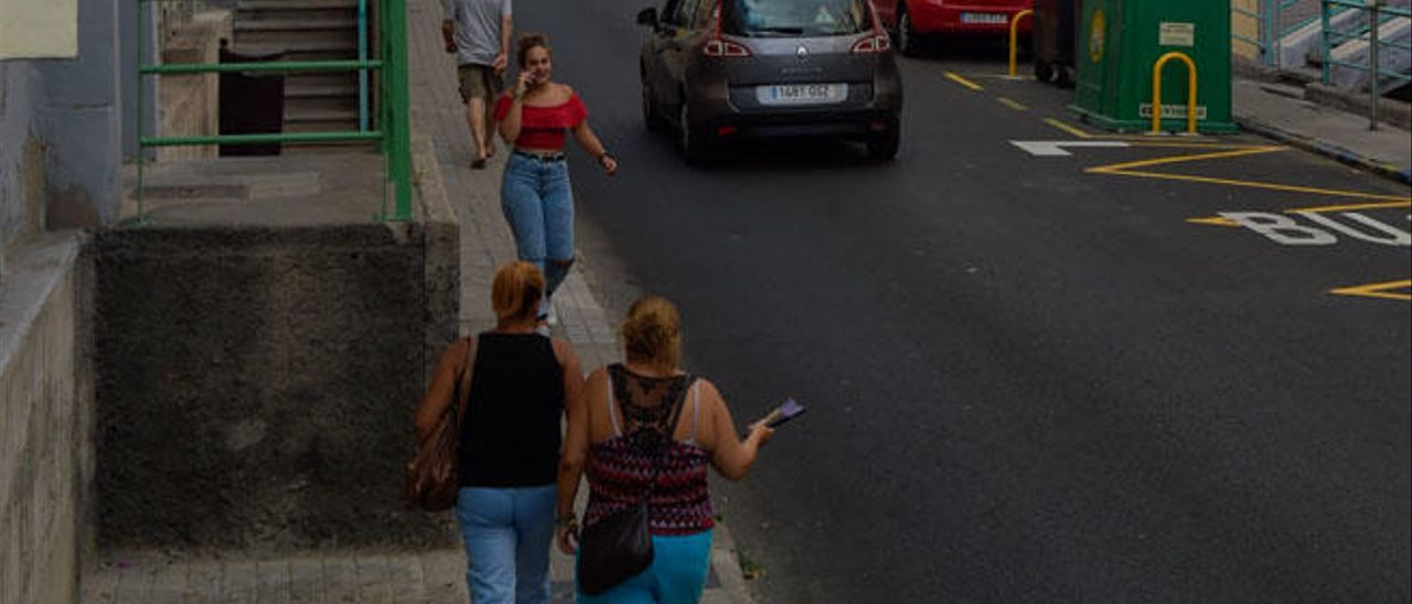 Vista parcial de la calle Santa Luisa de Marillac, en Las Rehoyas, ayer.