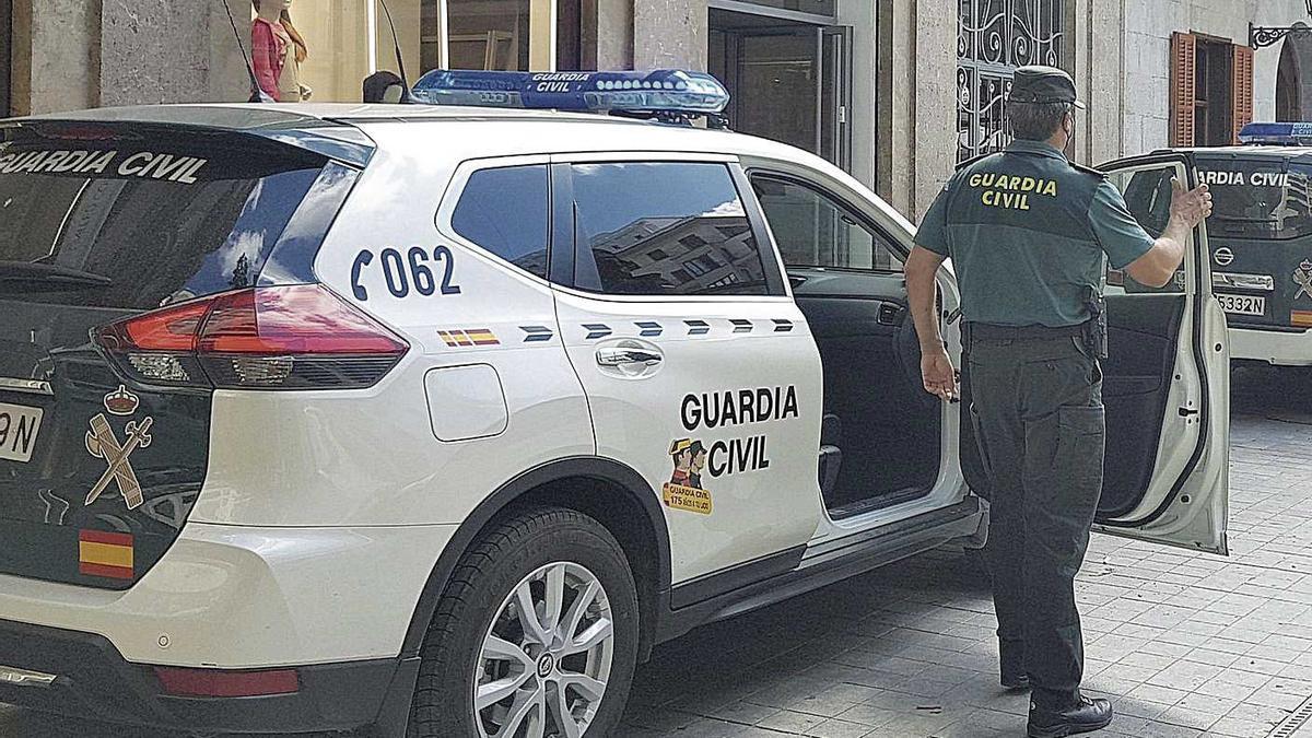 La Guardia Civil de Campos arrestó a los dos sospechosos.