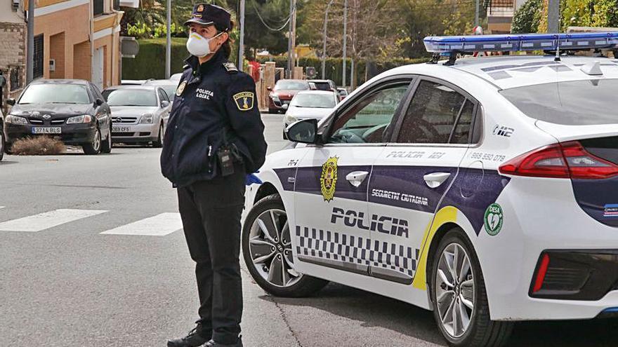 Ibi contratará agentes de la bolsa de la Policía Local de Banyeres