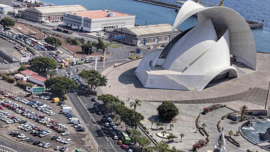Ayuntamientos del sur de Tenerife reclaman que se hagan test en aeropuertos