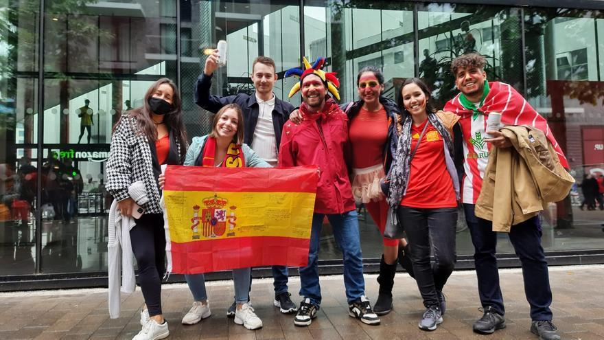 Afición zamorana en el estadio de Wembley para ver el Italia-España