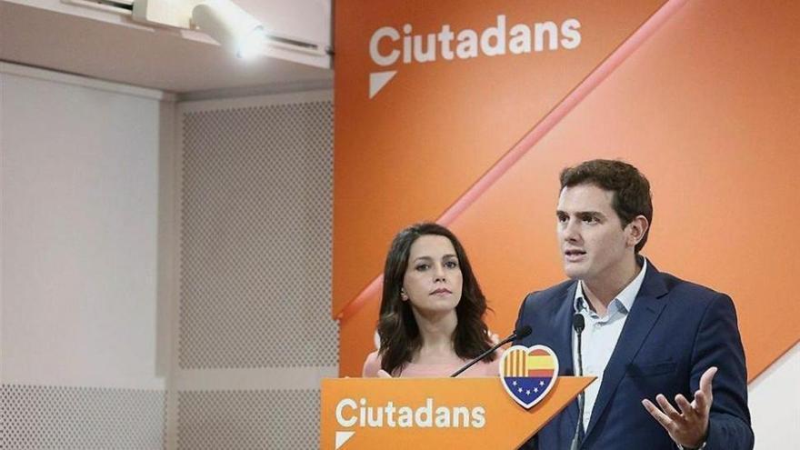 """Rivera cree que Rajoy ha pecado de """"ingenuo"""" al confiar en los Mossos"""