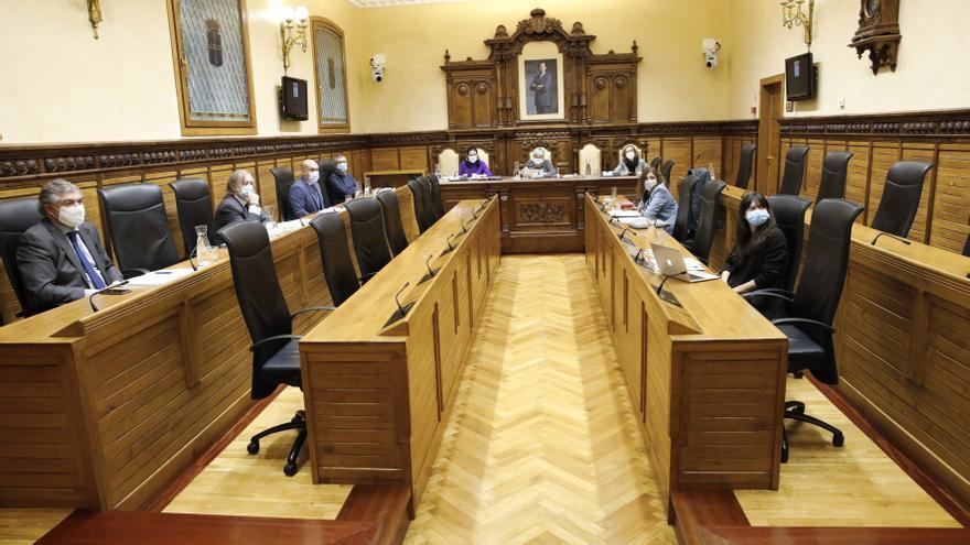 La oposición reivindica mejoras que ayuden a reactivar la economía local
