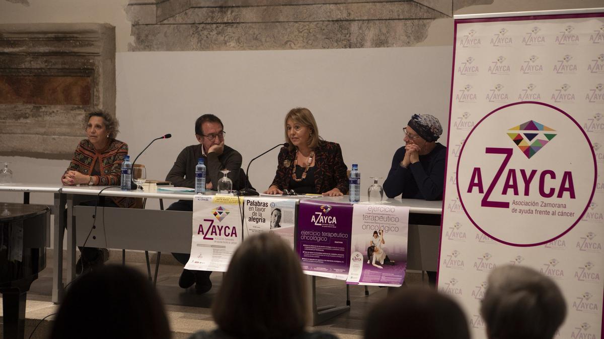 Representantes de Azayca en un reciente acto