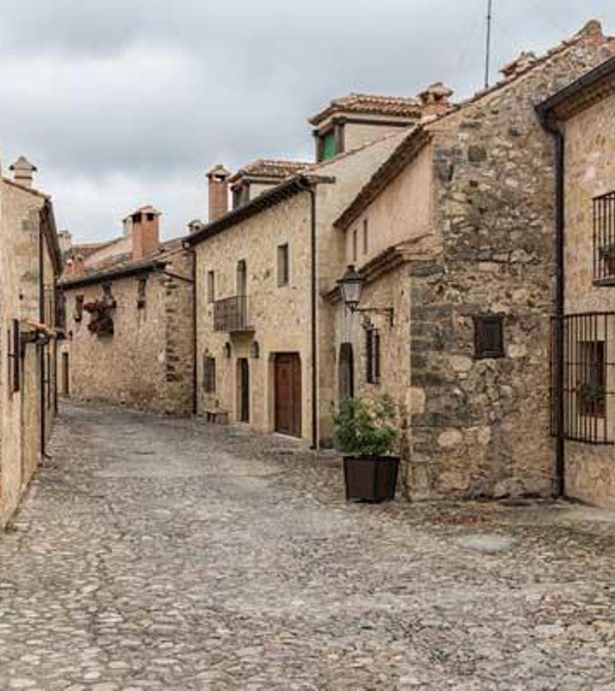 Seis pueblos con encanto para perderte con tu pareja en España