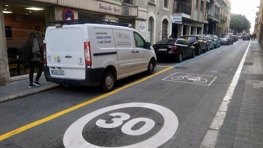 Entra en vigor la limitació a 20 i 30 km/h en totes les vies urbanes