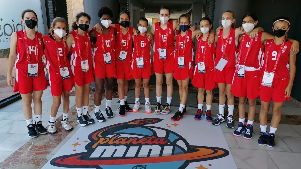 Selección Femenina Mini durante el Campeonato de España de Selecciones Autonómicas.