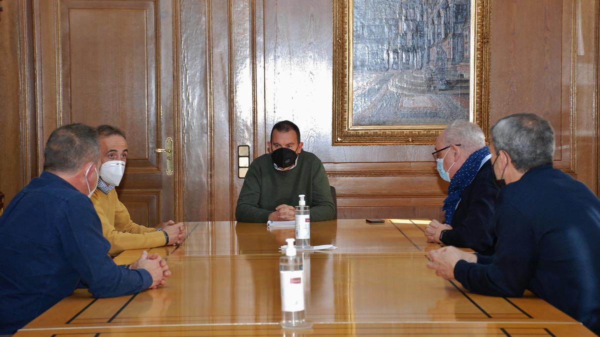 Reunión de Francisco Requejo y José Luis Prieto con representantes de UGT.