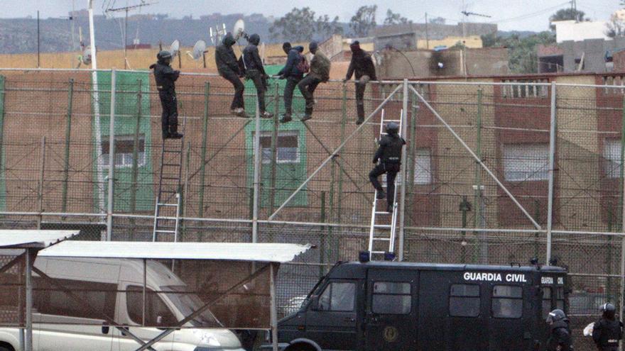 Bruselas apuesta por el diálogo con los países que cruzan los migrantes para combatir el tráfico de personas