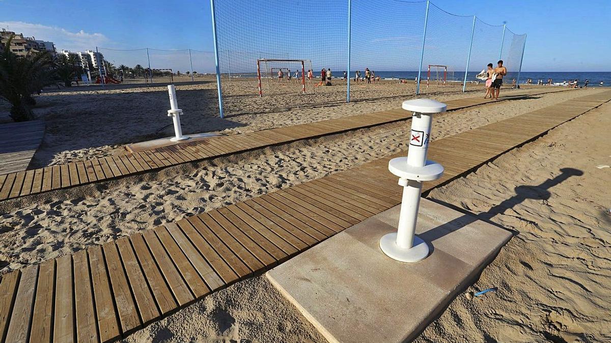 Arreglan al fin los lavapiés del Port de Sagunt y Almardà    TORTAJADA